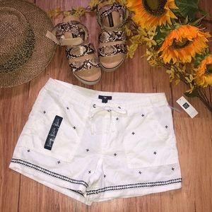 Gap shorts NWT